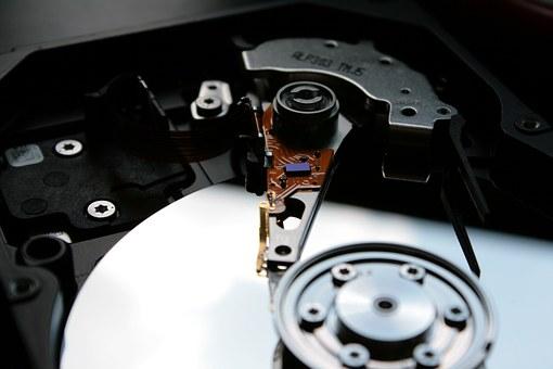 Odzyskiwanie danych i naprawa komputerów w Warszawie