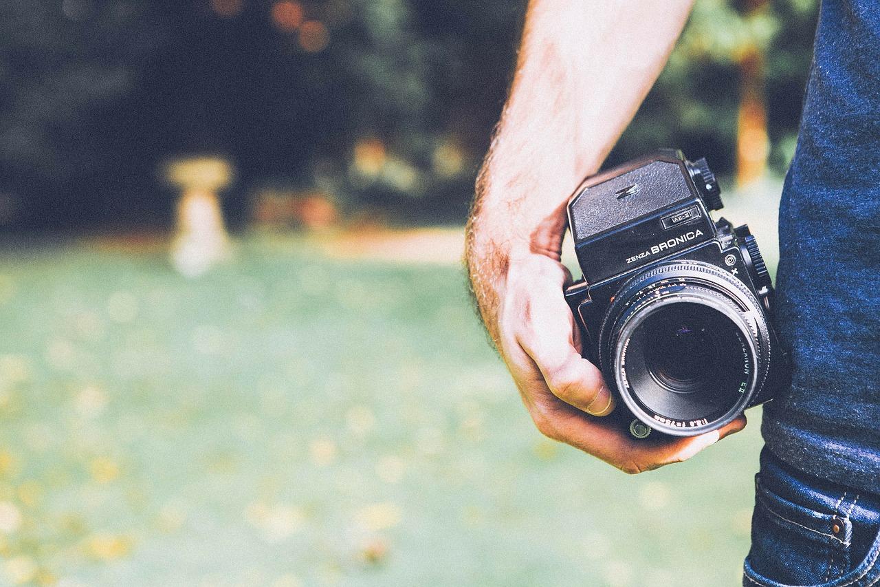 Szeroki wybór aparatów i sprzętu fotograficznego